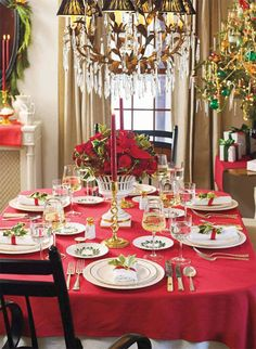 Christmas Table setting #Christmas #Table.  Red and white table linens in this picture can be puchased at http://www.kristenchef.com/table-linens.html