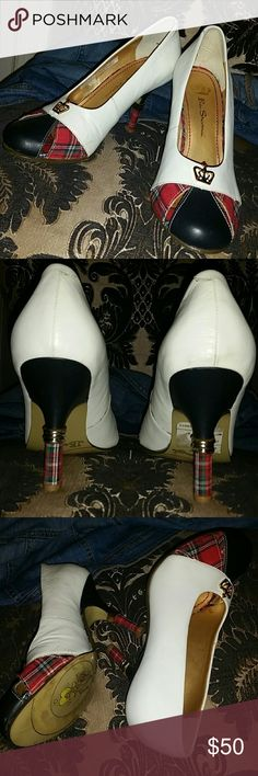 """Vintage Ben Sherman Pumps sz 6 Excellent Vintage condition from a smoke and pet free home, I believe these are genuine leather based on research, but there are no notations on the shoe to confirm.  White pumps with tartan design on heel and at toe, slight cut outs at toe with Ben Sherman emblem  Heel 4"""" Ben Sherman Shoes Heels"""