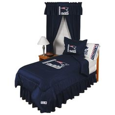 They need to make a KING size set! New England Patriots Bedding Collection Patriots Bedding, Black Comforter, Navy Bedding, Missouri Tigers, Cool Kitchen Gadgets, Bedroom Images, Michigan Wolverines, Texas Longhorns, Auburn Tigers