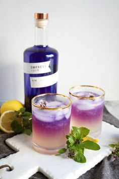 Gin Cocktail Recipes, Cocktail Drinks, Alcoholic Drinks, Beverages, Gin Drink Recipes, Basil Cocktail, Craft Cocktails, Colorful Cocktails, Fancy Drinks