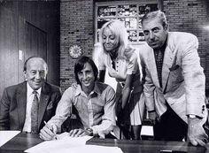 Cruijff tekent 7 jarig contract bij Ajax, juli 1972
