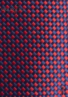 Particolare Tessuto Cravatta in Seta Blu a Quadretti Rossi Tinta in Filo
