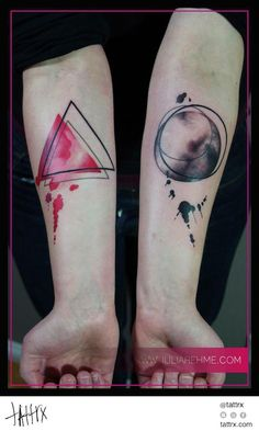 Julia Rehme - Simple Shapes Cool tattoo www.tattoodefender.com #cooltattoo…