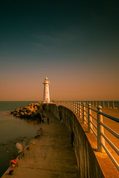 Lighthouse {by Geon Lee photopia}