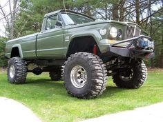 Jeep Gladiator (I have this saved under Dodge Trucks because Chrysler bought AMC) Jeep Jk, Jeep Pickup, Jeep Truck, Lifted Trucks, Cool Trucks, Pickup Trucks, Dodge Trucks, Old Jeep, Offroader