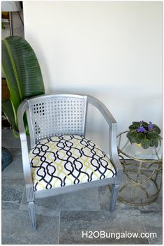 Chair Refinished with Silver and Black Pearl Metallic Paints by H2OBungalow | Tutorial