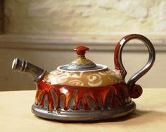 Unique Pottery teapot. Wheel Thrown Ceramic por DankoHandmade
