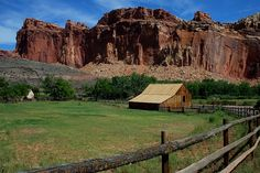 Panoramio is no longer available Monument Valley, Utah, Scenery, Barn, House Styles, Nature, Plants, Mountain, Travel