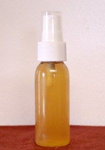 Homemade jewelweed spray. A natural remedy for poison ivy.