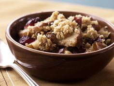 Pear-Cranberry Crisp http://www.prevention.com/food/cook/20-classic-fall-recipes/curried-sweet-potato-apple-soup