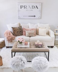 Fancy Living Rooms, Glam Living Room, Small Apartment Living, Living Room Update, Small Apartment Decorating, Living Room Decor, Living Room Designs, Apartment Couch, Studio Apartment