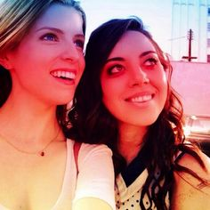 Anna Kendrick & Aubrey Plaza -two lady crushes in the SAME PICTURE