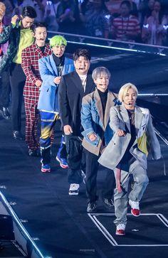 Check out Super Junior @ Iomoio Eunhyuk, Lee Donghae, Choi Siwon, Kim Heechul, Cho Kyuhyun, Super Junior Songs, Super Junior Funny, Super Junior Leeteuk, K Pop