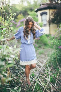 beautiful summer senior pictures.  little blue and lace dress. gorgeous girl. jessica janae blog
