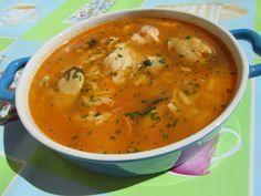 Una sencilla sopa de pescado muy ligerita y sana no os dará pereza hacerla! Chowder Recipes, Risotto Recipes, Seafood Recipes, Mexican Food Recipes, Soup Recipes, Vegetarian Recipes, Cooking Recipes, Healthy Recipes, Ethnic Recipes