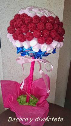 Árbol de chuches | VotaDIY Chocolate Bouquet, Fiesta Party, Raspberry, Centerpieces, Baby Shower, Candy, Fruit, Crafts, Food