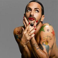 És akkor már nem hagyhatjuk ki őt sem: Marc Jacobs, make-up: NARS