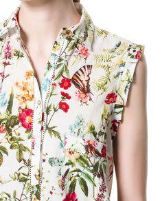 Sleeves Designs For Dresses, Dress Neck Designs, Modelos Fashion, Cool Outfits, Fashion Outfits, Kurta Designs, Urban Fashion, Floral Tops, Zara