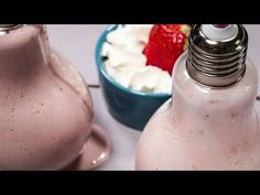 Milkshake cu iaurt, căpșuni și busuioc - YouTube Glass Of Milk, Icing, Deserts, Cooking Recipes, Youtube, Food, Chef Recipes, Essen, Postres