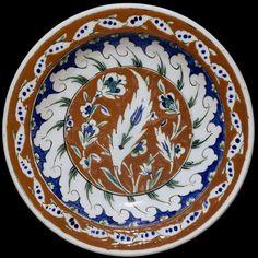 Dish | Made in Iznik, Turkey, ca. 1570-1590 | Materials: fritware, polychrome underglaze painted, glazedFritware, polychrome underglaze painted, glazed | The Metropolitan Museum of Art, New York
