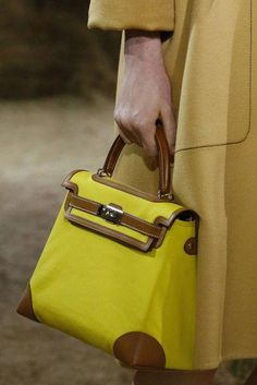 {knock off designer handbags Classic Handbags, New Handbags, Hermes Handbags, Vintage Handbags, Hermes Bags, Used Designer Handbags, Sacs Design, Balenciaga Handbags, Leather