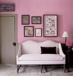 Pink living room and bedroom ideas for anyone thinking of going with a solid pink paint at home. Domino magazine picks the best examples of all-pint rooms for you to replicate at home. Pink Paint Colors, Interior Paint Colors, Interior Design, Interior Painting, Luxury Interior, Interior Ideas, Interior Inspiration, Elle Decor, Feng Shui Colours