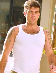 AskMen - Become a Better Man Robbie Williams Take That, Gary Barlow, Cool Hairstyles For Men, Charming Man, Robin Williams, Celebs, Celebrities, Gorgeous Men, Boy Bands