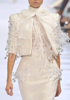 Elie Saab Haute Couture Details - Another! Style Couture, Couture Details, Fashion Details, Couture Fashion, Runway Fashion, Womens Fashion, Fashion Design, Couture 2015, Color Fashion