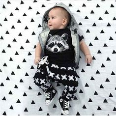 Material: Cotton & Polyester Size: 70(0-6m)-80(7-12m)-90(13-17m)-95/100(18-24m) This adorable outfit comes with the tshirt and pants.