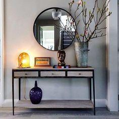 Hill top, london corridor & hallway by studio duggan, modern Hallway Console Table (From Studio Duggan) Decor, Stylish Interiors, Console Table Hallway, Hallway Designs, Home Decor, House Interior, Room Decor, Apartment Decor, Home Deco