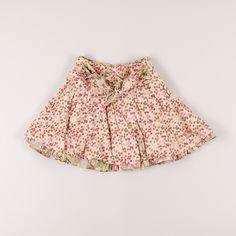 Falda de topos y flores en el bajo de marca Kenzo. Talla 4 años. 19,95€ #modainfantil http://www.quiquilo.es/catalogo-ropa-segunda-mano/falda-de-topos-y-flores-en-el-bajo-de-marca-kenzo-en-color-beige.html
