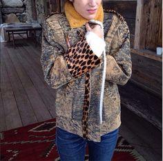 Le Perfecto Mason en Ginger et détails en cuir imprimé girafe! Ou la veste en cuir qui va avec tout! #heimstone #heimstonisation #cherchemidi #online #christmasgift