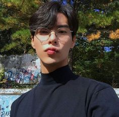 Ugh idk man, whatever's saved in here looks pretty cool. Korean Boys Hot, Korean Boys Ulzzang, Korean Men, Pretty Men, Pretty Boys, Cute Boys, Handsome Asian Men, Handsome Boys, Cute Asian Guys
