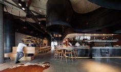 estudio Woods Bagot ha creado el impactante interiorismo del nuevo Pony Restaurant en Brisbane, Australia.