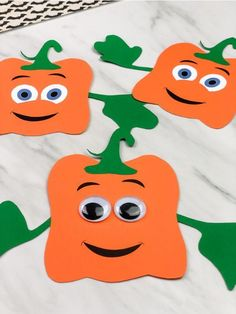 This Spookley the Square Pumpkin craft for kids is a fun DIY paper craft for kids to make at home or at school. It's easy to make thanks to the free printable template. It's perfect for preschool, kindergarten and elementary children. #simpleeverydaymom #spookley #halloween #kidscrafts #craftsforkids #halloweencrafts #kindergarten #preschool #preschoolers #preschoolactivities #ideasforkids #pumpkincrafts #kidsandparenting