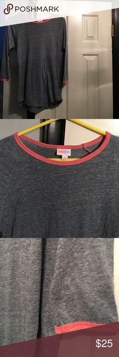 💋Lularoe Randy Lularoe Randy size S excellent condition. Heathered dark grey with pink on neckline and sleeve line. 3/4 sleeves. LuLaRoe Tops Blouses