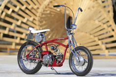 Hier ein Stingray-Rad, mit Honda Dax Motor. Mit Straßenzulassung. Baujahr unbekannt.