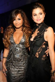 Fans Are Shipping Demi Lovato And Selena Gomez After This Instagram Post