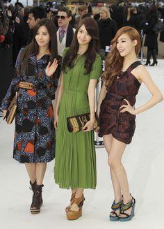 Burberry Prorsum 2012 - Seohyun, Yoona & Tiffany
