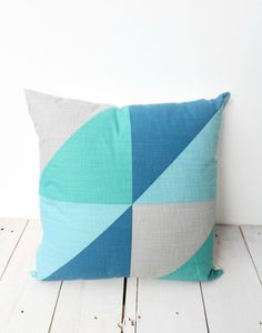 Teal Cushion – nice colour scheme, could use for quilt