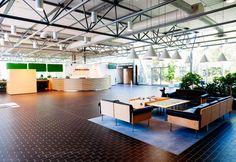 Valoisa aula toivottaa tervetulleeksi kokouksiin, työhyvinvointipäiviin ja herkuttelemaan. Isolla tai pienellä porukalla.