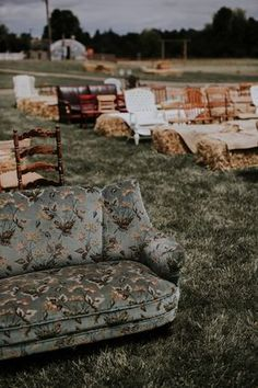 Meets Country Wedding: Kendra + Wallace Rent or buy a bunch of mismatched couches?- Boho Meets Country Wedding: Kendra Wallace in Real Weddings.Rent or buy a bunch of mismatched couches?- Boho Meets Country Wedding: Kendra Wallace in Real Weddings. Forest Wedding, Rustic Wedding, Dream Wedding, Eclectic Wedding, Gypsy Wedding, Wedding In Nature, Trendy Wedding, Barefoot Wedding, Wedding Happy