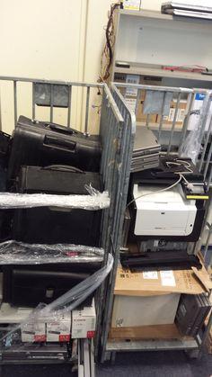 Vanochtend bij St. De Rekere in Alkmaar een mooi computersetje afgeleverd en daarna in Hoorn 2 rolcontainers opgehaald bij OBD. 10 mooie Dell laptopjes volgende week beschikbaar bij Copiatek en Kri…