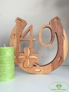 Birthday gifts made of wood. Unique gifts available here - Wurmis-Hol . Birthday gifts made of wood. Unique gifts available here – Wurmis wood decoration! Woodworking Videos, Woodworking Crafts, Table Lamp Wood, Scroll Saw Patterns, Wire Crafts, Diy Arts And Crafts, Wood Sculpture, Easter Crafts, Wood Carving