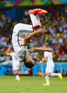 Klose celebrando en Brasil 2014. Die Mannschaft