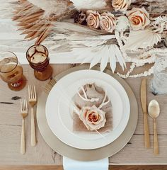 Soft and lovely neutrals and pinks for a Thanksgiving tablescape by Katrina Scott. #holidaydecor #pinkchristmas #neutralholidaydecor #tablescapes