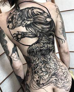 awesome big cat tattoo on back by @fredao_oliveira #bigtattoosonback