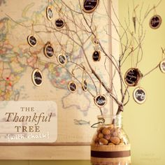 The Thankful Tree (with Chalk) #thanksgiving #crafts