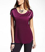 SHORT SLEEVE CONTRAST FABRIC EASY TEE:Express