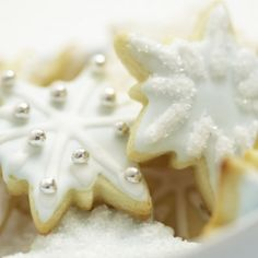 Add small sugary treats to the vegan diet with vegan sugar cookies recipe. Vegan Sugar Cookie Recipe, Cookie Recipes, Sweets Recipes, Cookie Ideas, Christmas Sweets, Christmas Cookies, Gingerbread Cookies, Christmas Recipes, Pumpkin Oatmeal Cookies
